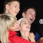 ¿Te gusta cantar? Ven a nuestro karaoke del Festivan en Rivas